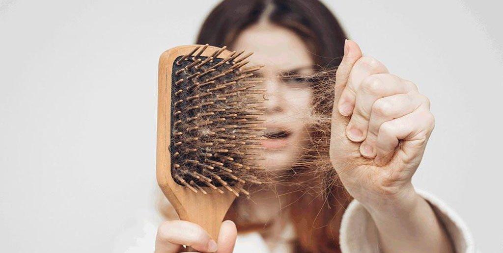 با حذف این خوراکی ها از رژیم غذایی تان با ریزش مو خداحافظی کنید !