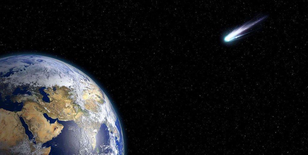 منظومه شمسی و بزرگ ترین ستاره دنباله دار آن !