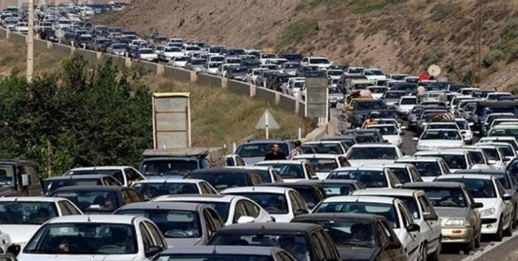 ترافیک در ورودیهای تهران سنگین است