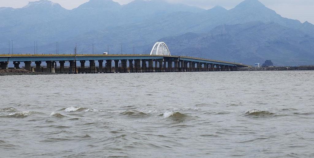 تراز آب دریاچه ارومیه یک متر افزایش یافت